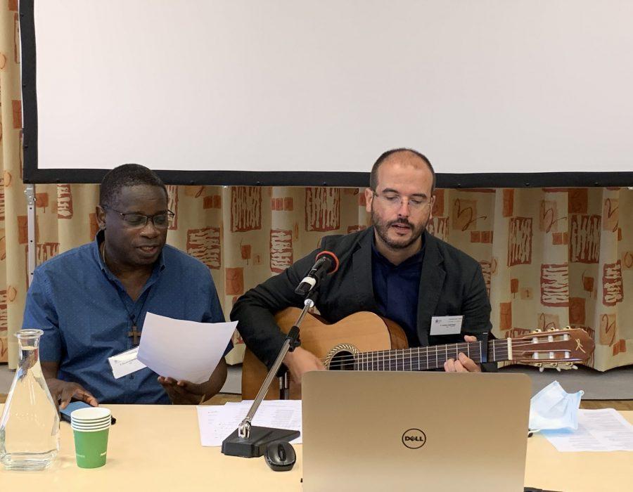 P. Benoît Hagenimana et P. Carlos Caetano, cs.